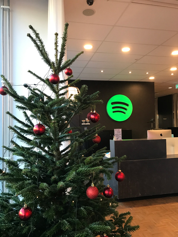 Julgran till kontoret